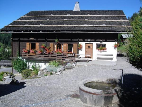 chaletserraz-exterieur-locationchalet-laclusaz