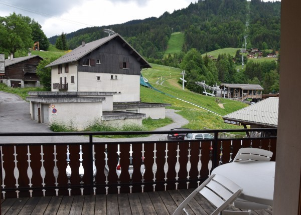 locationcaprices1-centrevillage-surpistes-laclusaz